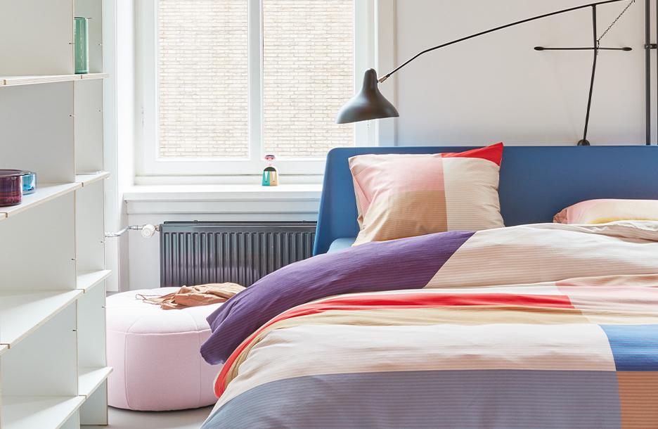 Gallery dekbedovertrek op blauwe essential bed